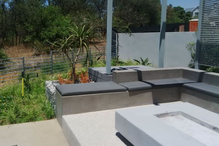 Contemporary seating in the garden